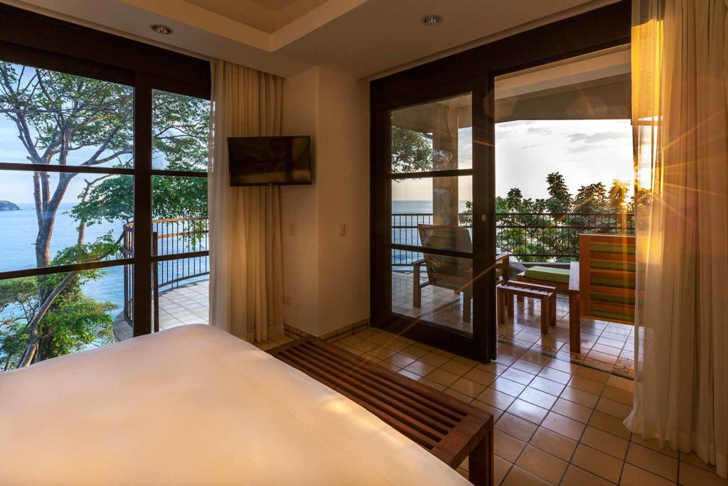 12-Spacious-Ocean-View-Suites