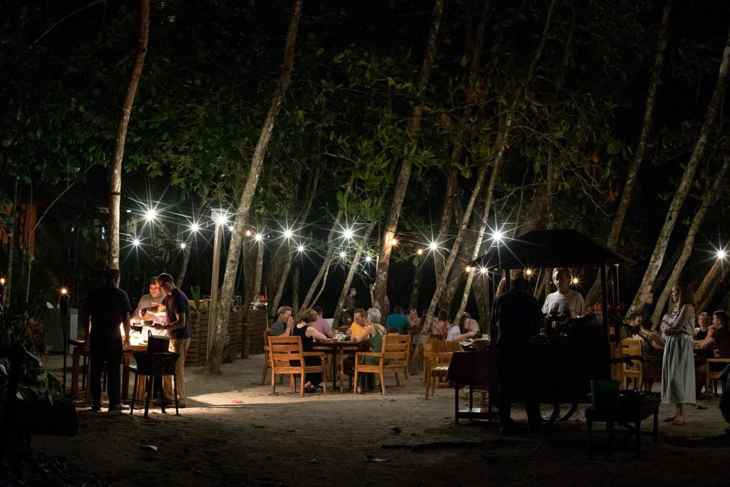 16-Gourmet-Oceanfront-Dining