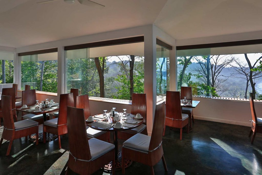 36-El-Mirador-Restaurant--Bar